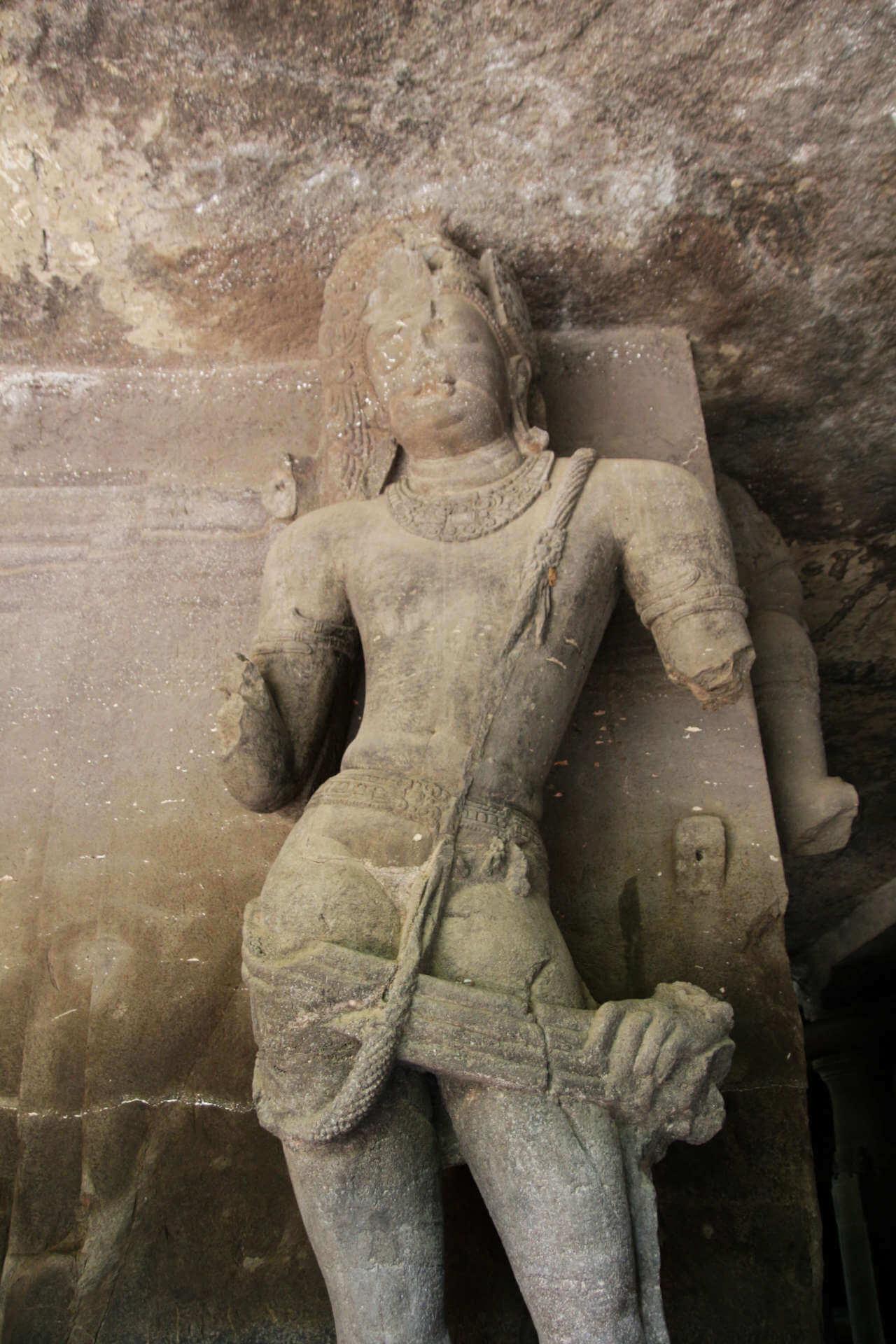 Indien Mumbai Elephanta Island Statue 1
