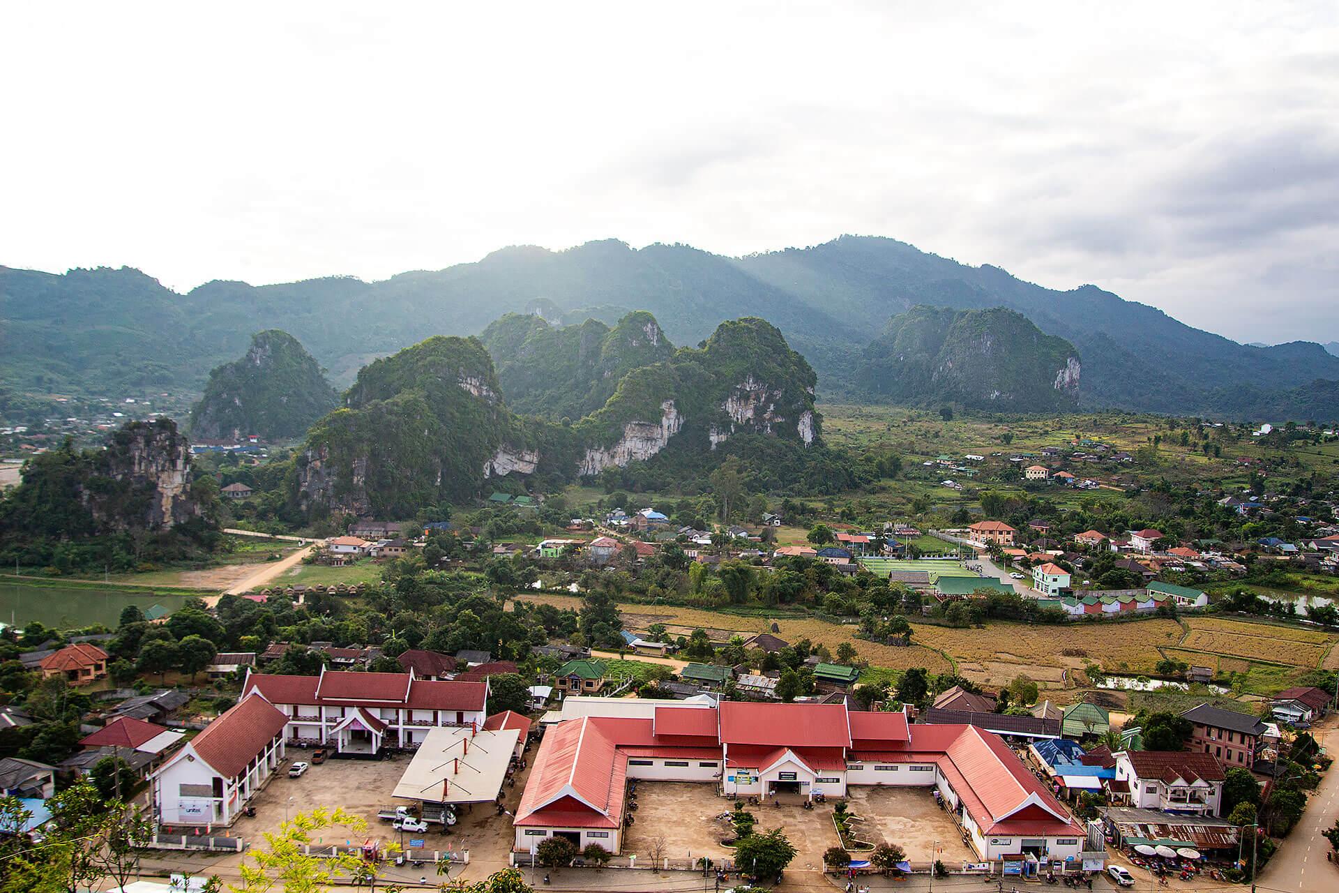 Vieng Xai von oben