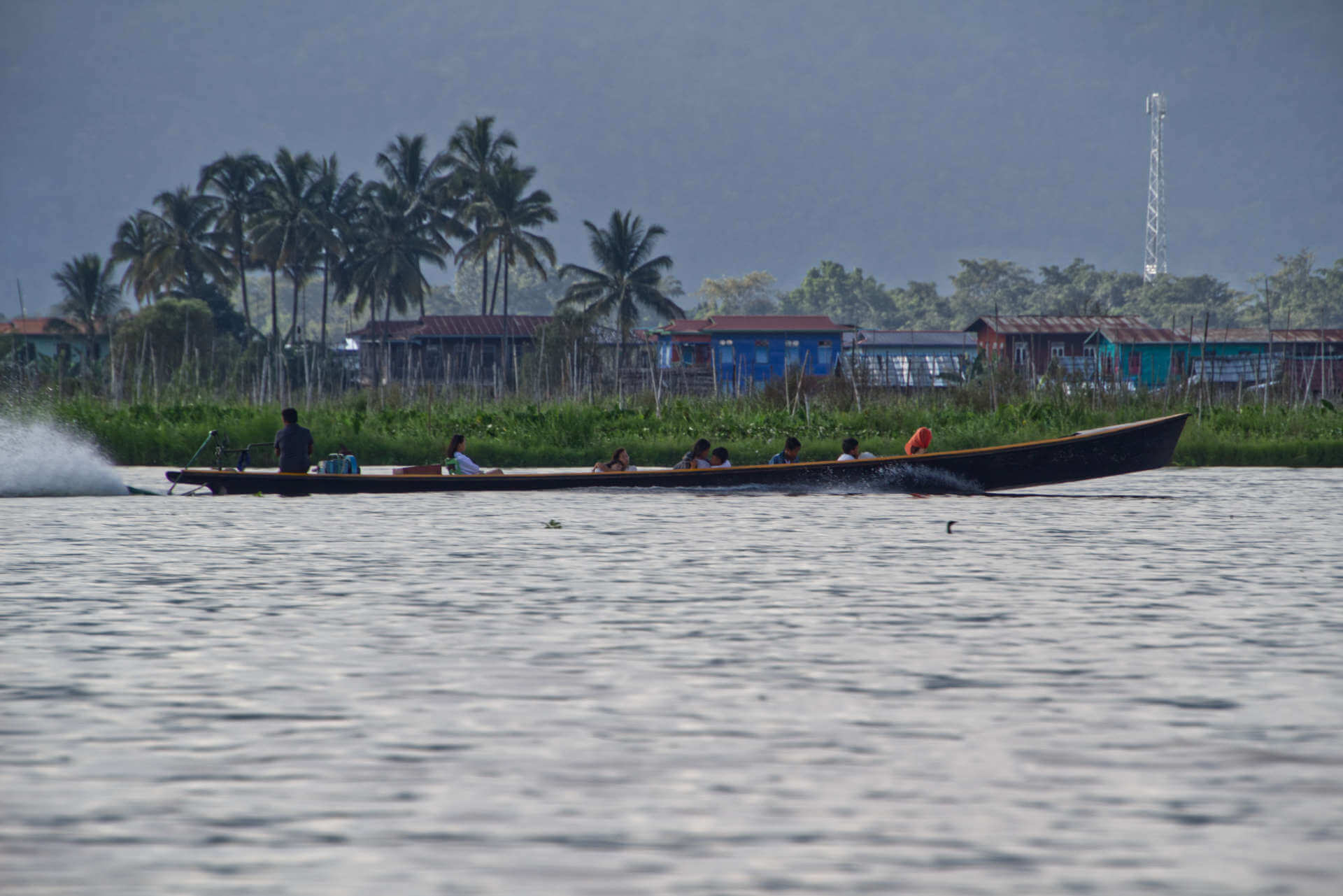 Myanmar Inle Lake Boot