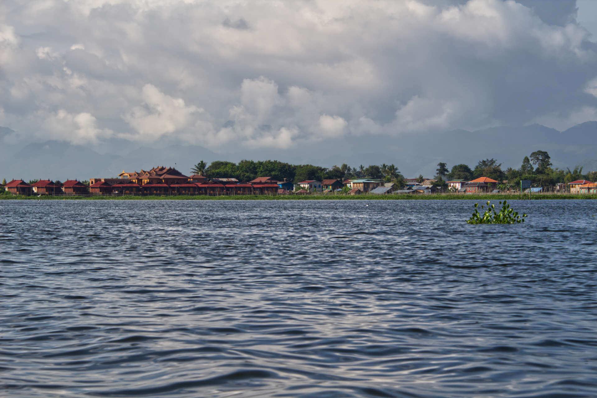 Myanmar Inle Lake Stelzenhäuser