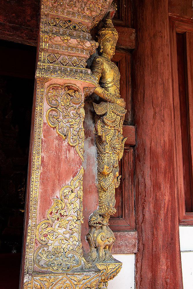 Am Eingang des Wat Phra Singh