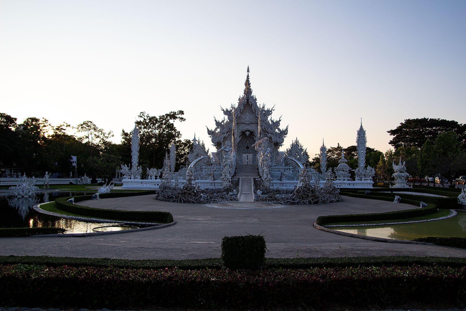 Wat Rong Khun (Weißer Tempel)