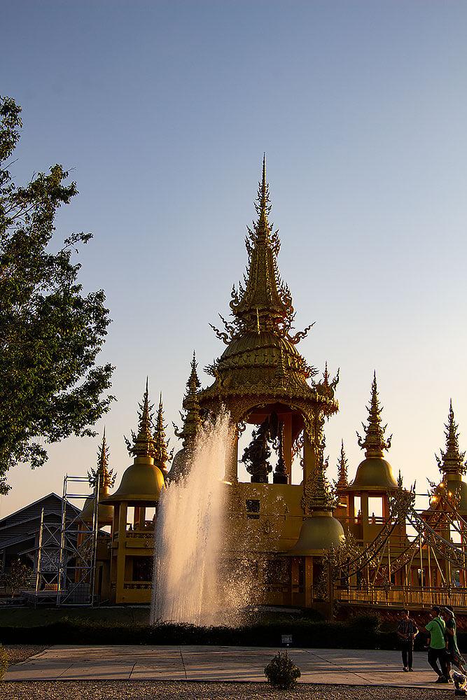 Goldener Tempel beim Wat Rong Khun