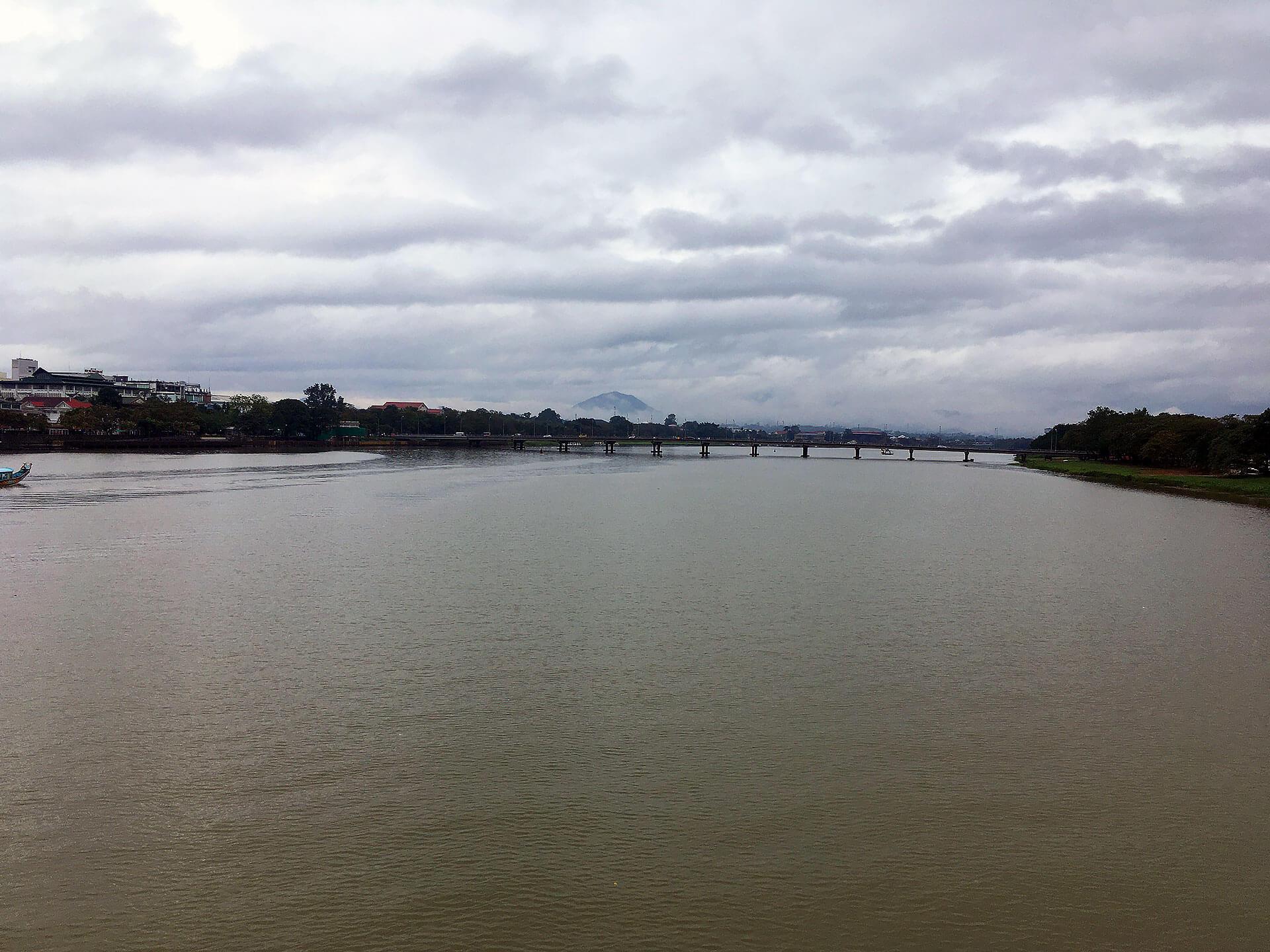 Der Song Hurong Fluss in Hue