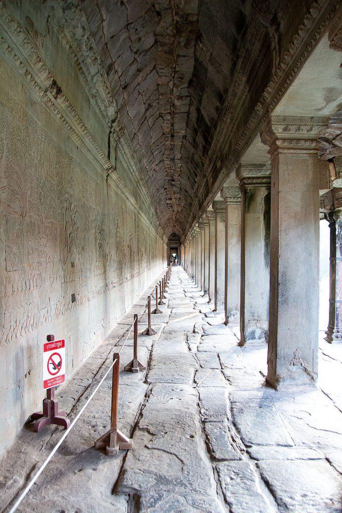 Seitengang in Angkor Wat