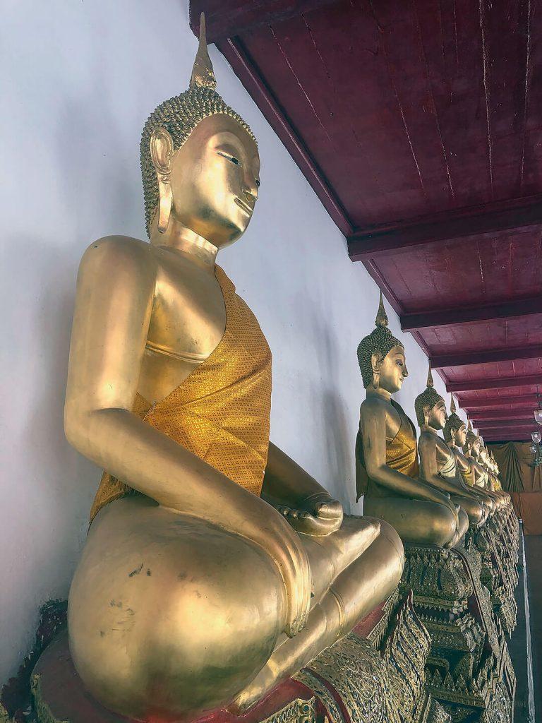 Buddha-Statue beim Goldenen Buddha in Bangkok