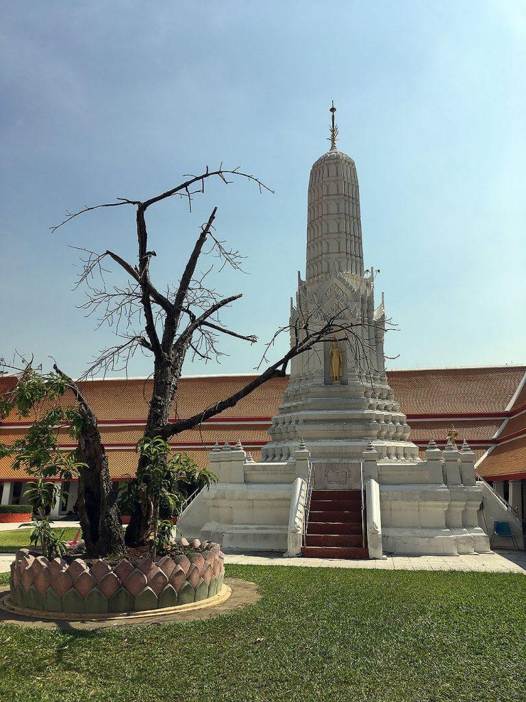 Pagode auf dem Gelände des Goldenen Buddha in Bangkok
