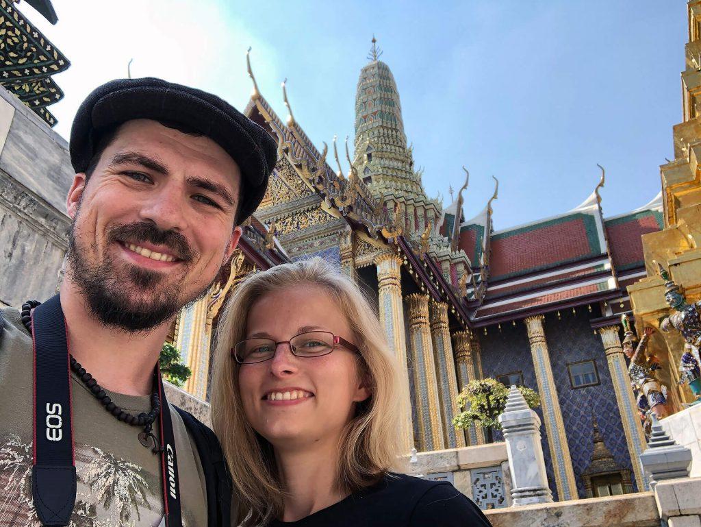 Taschi und Berti beim Temple of the Emerald Buddha
