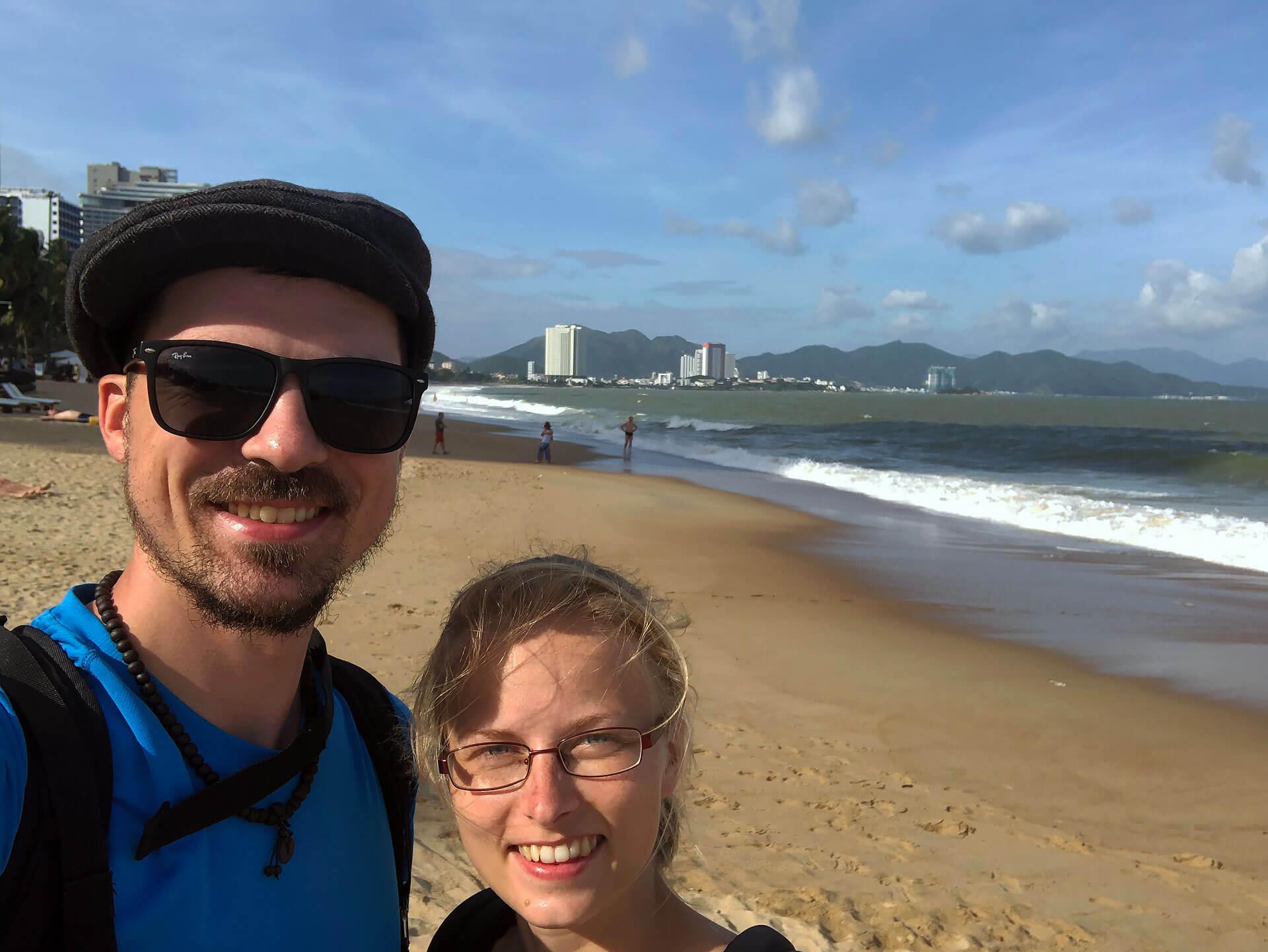 Am Strand von Nha Trang - Taschi und Berti