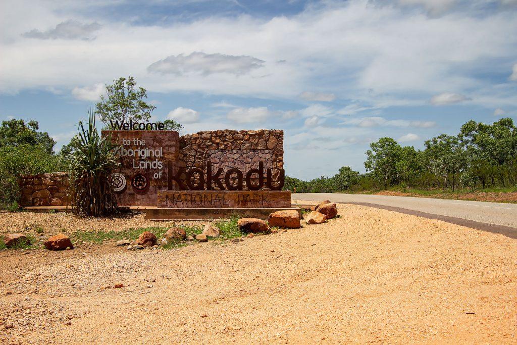 Eingangsschild im Kakadu Nationalpark
