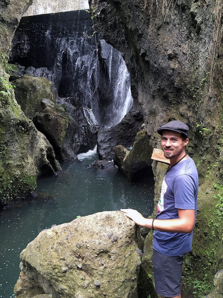 Berti beim Bandung Wasserfall