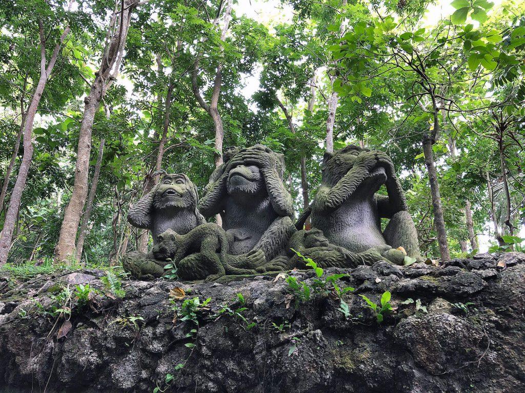 Affenstatue im Sacred Monkey Forest Sanctuary Ubud