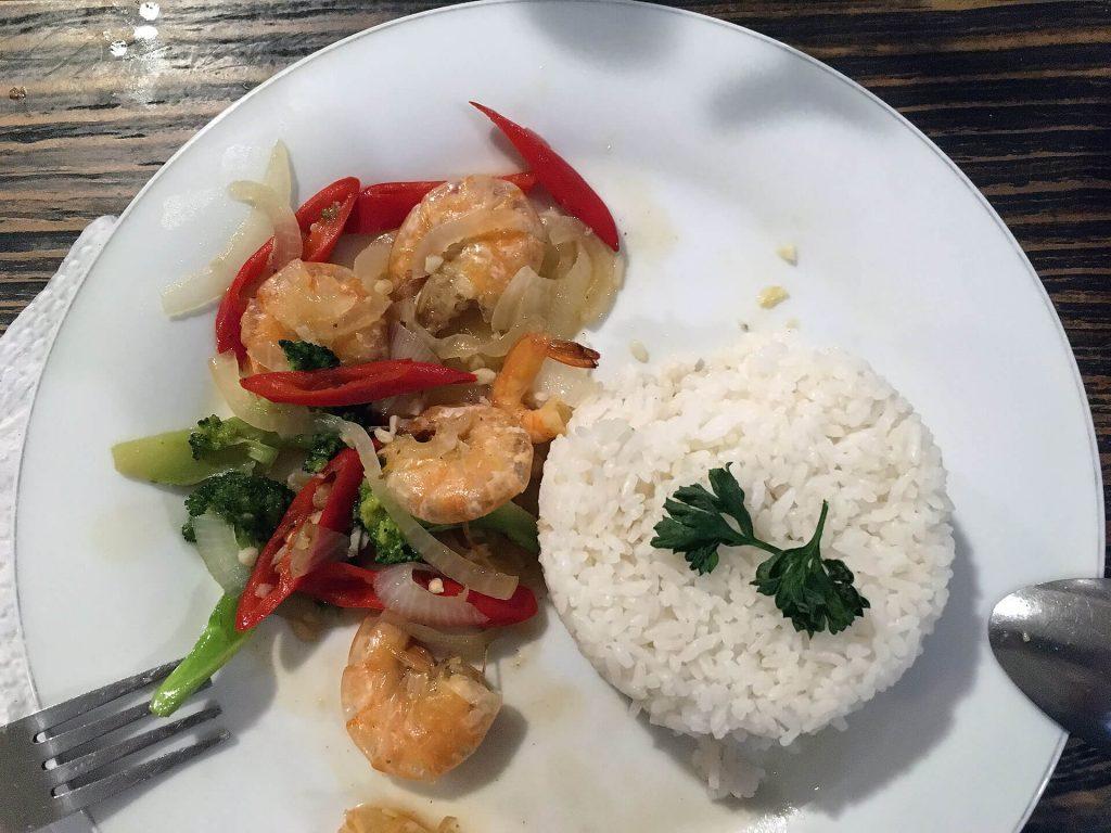 Reis mit Krabben