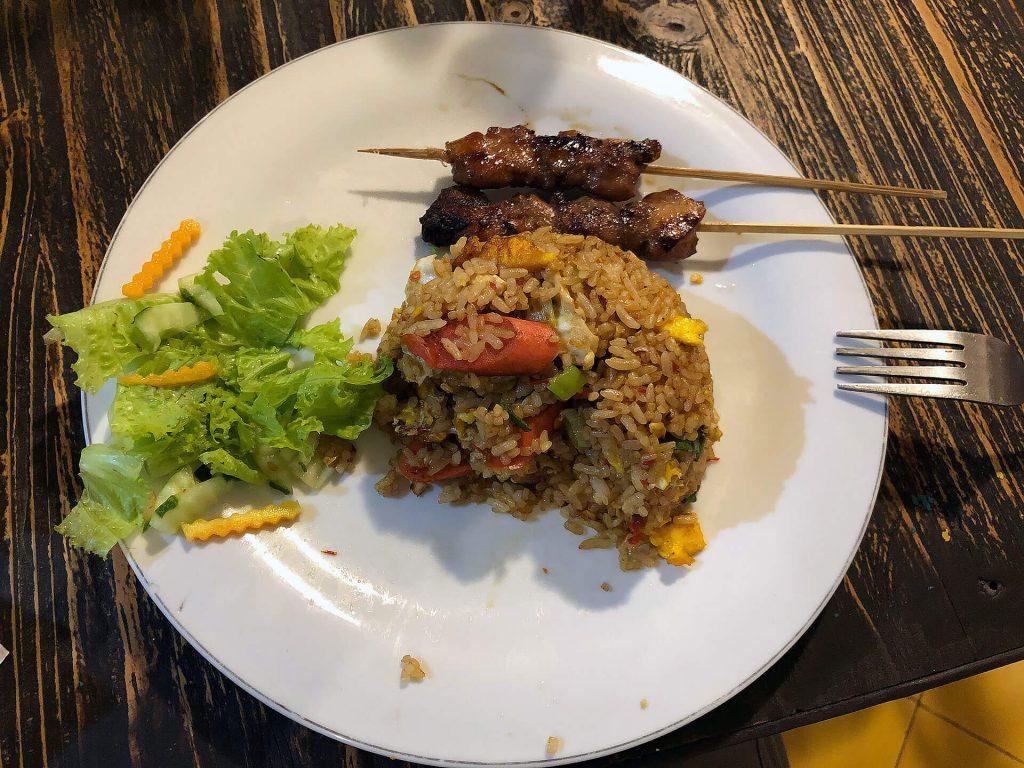 Satay mit Nasi Goreng