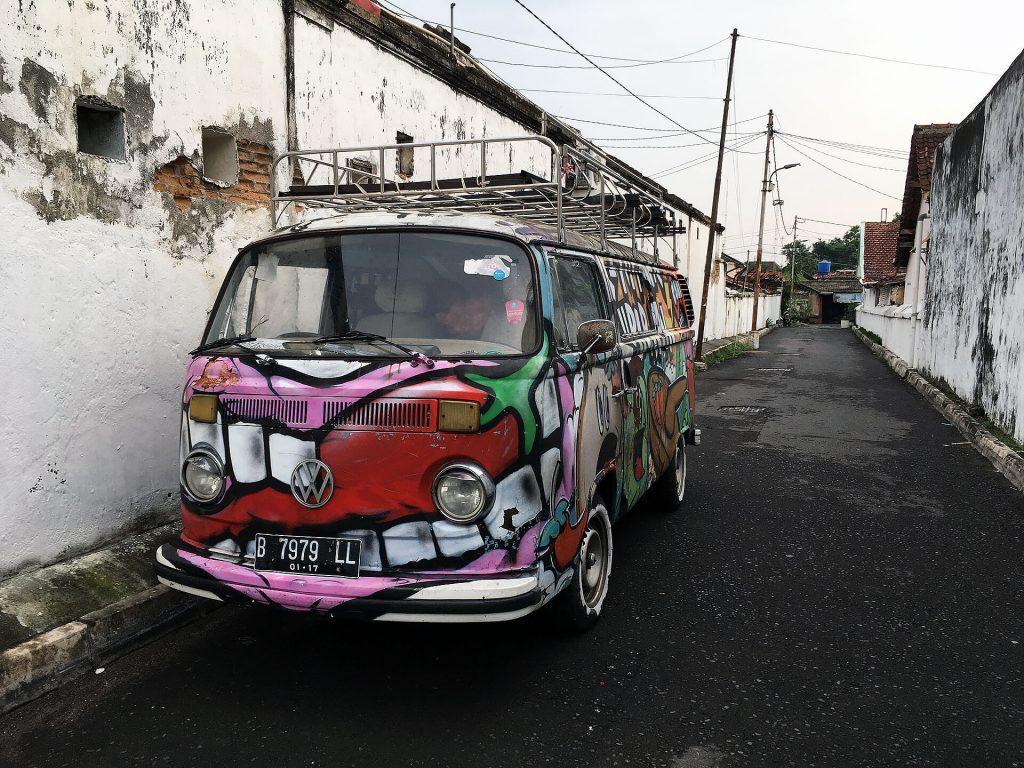 VW-Bulli in Yogjakarta