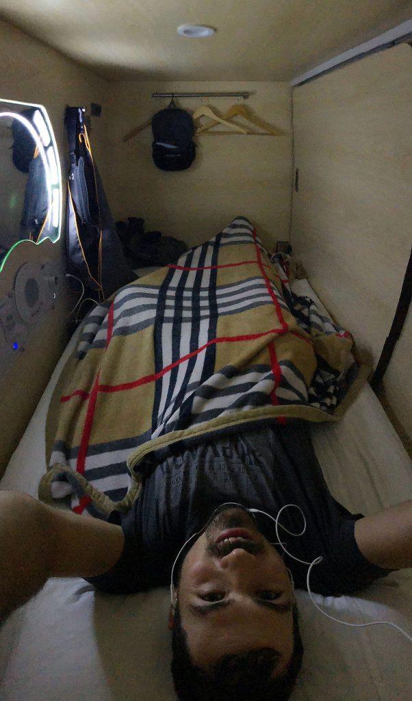 Berti in der Schlafkabine