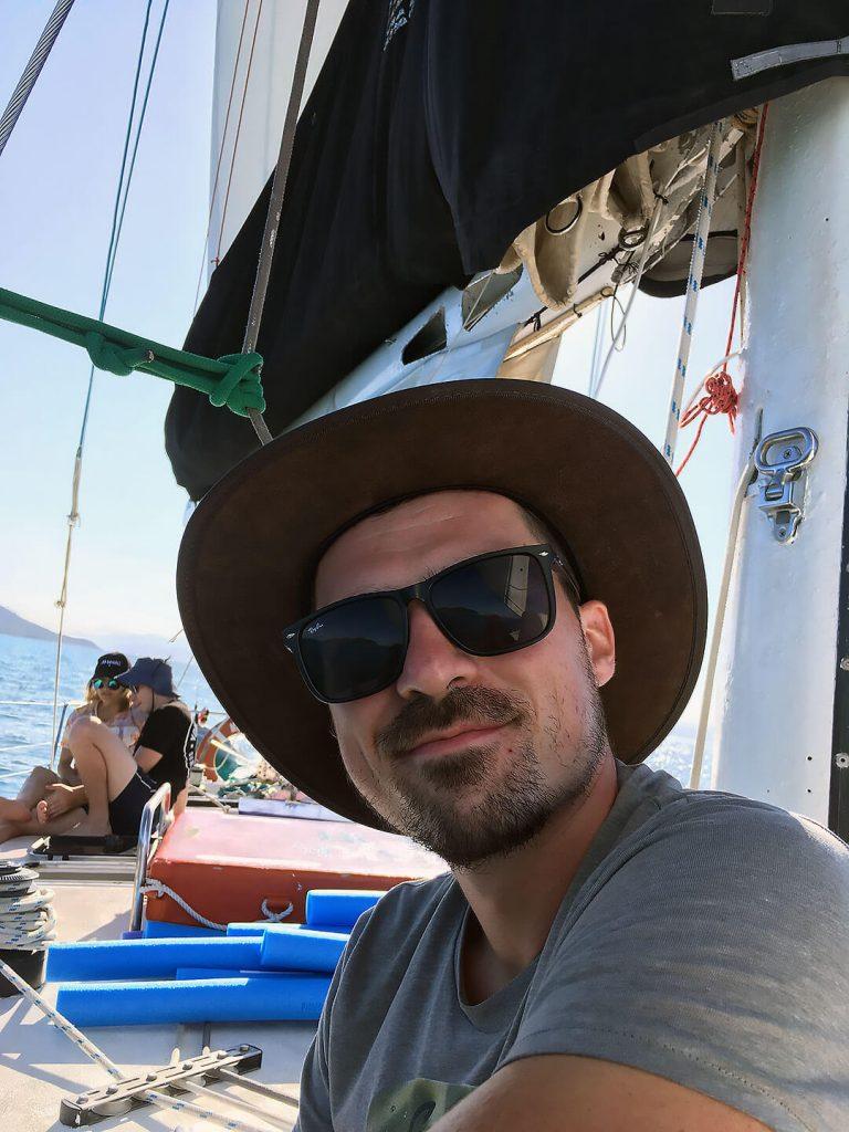 Berti auf dem Segelboot bei den Whitsundays
