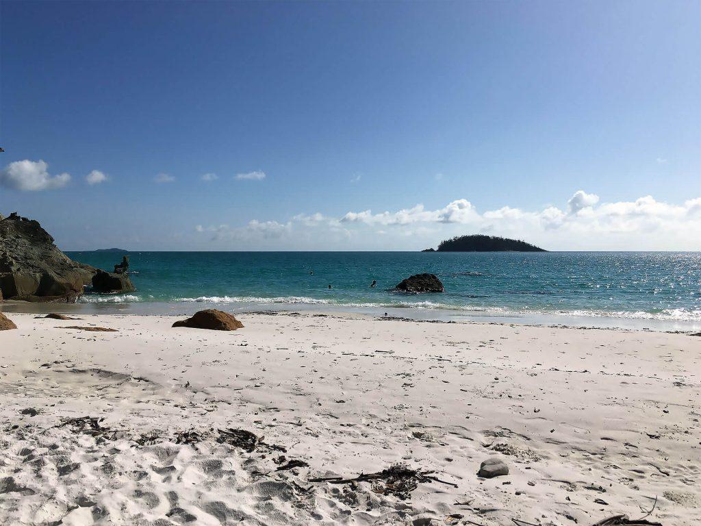 Kleiner versteckter Strand am Whitehaven Beach