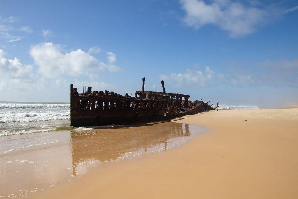 Die S.S. Maheno am Strand von Fraser Island