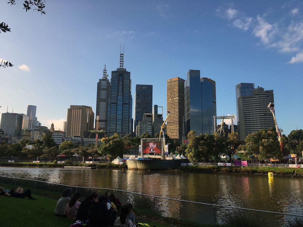 Skyline und Yarra River in Melbourne