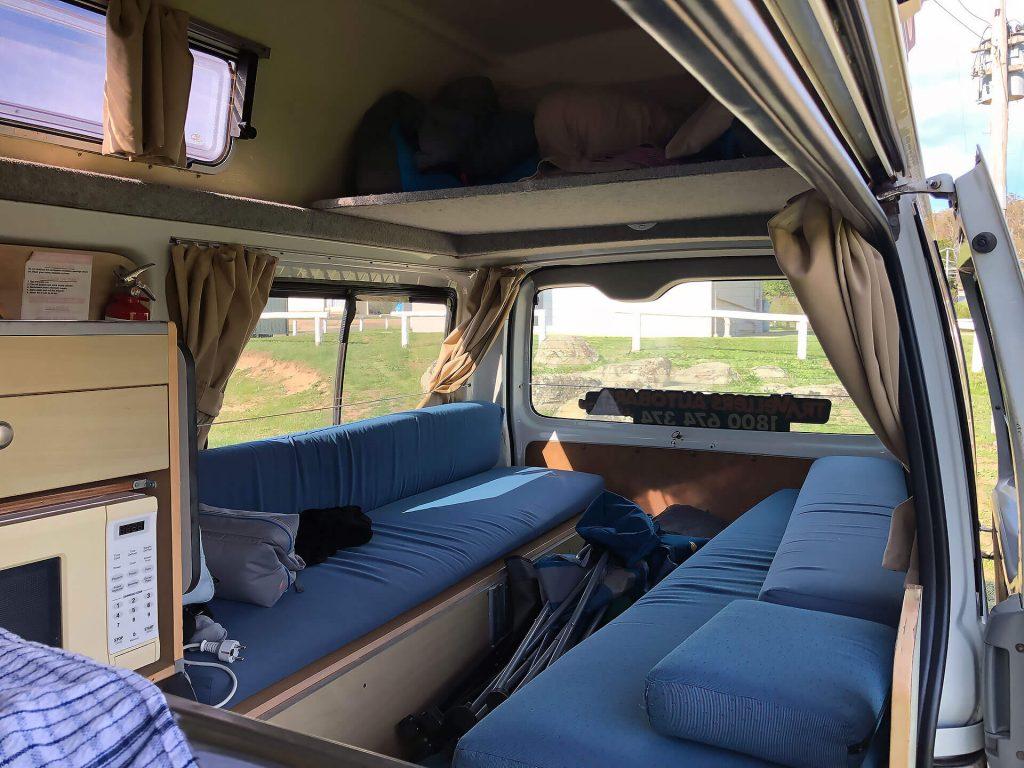 Travellers Autobarn Camper Innenraum